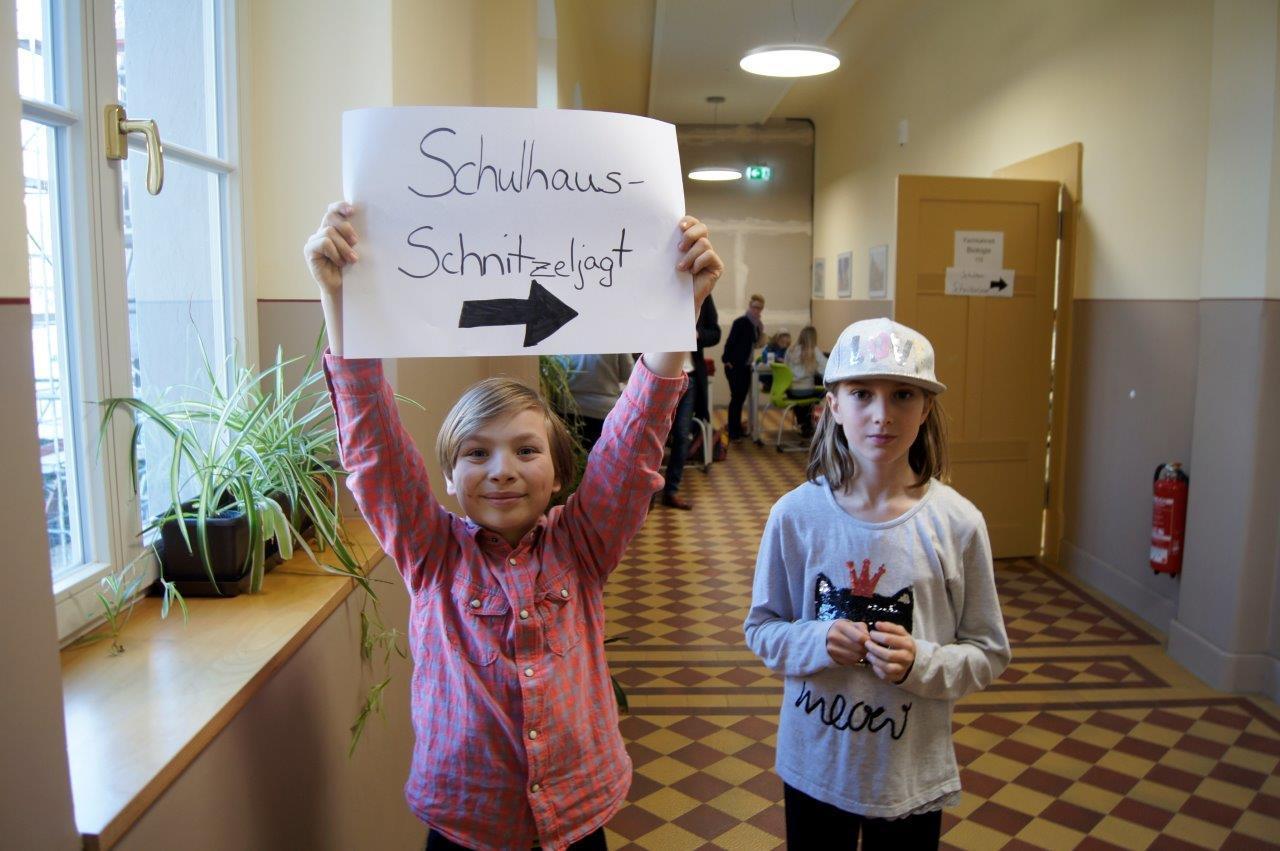Schulhaus-Schnitzeljagd
